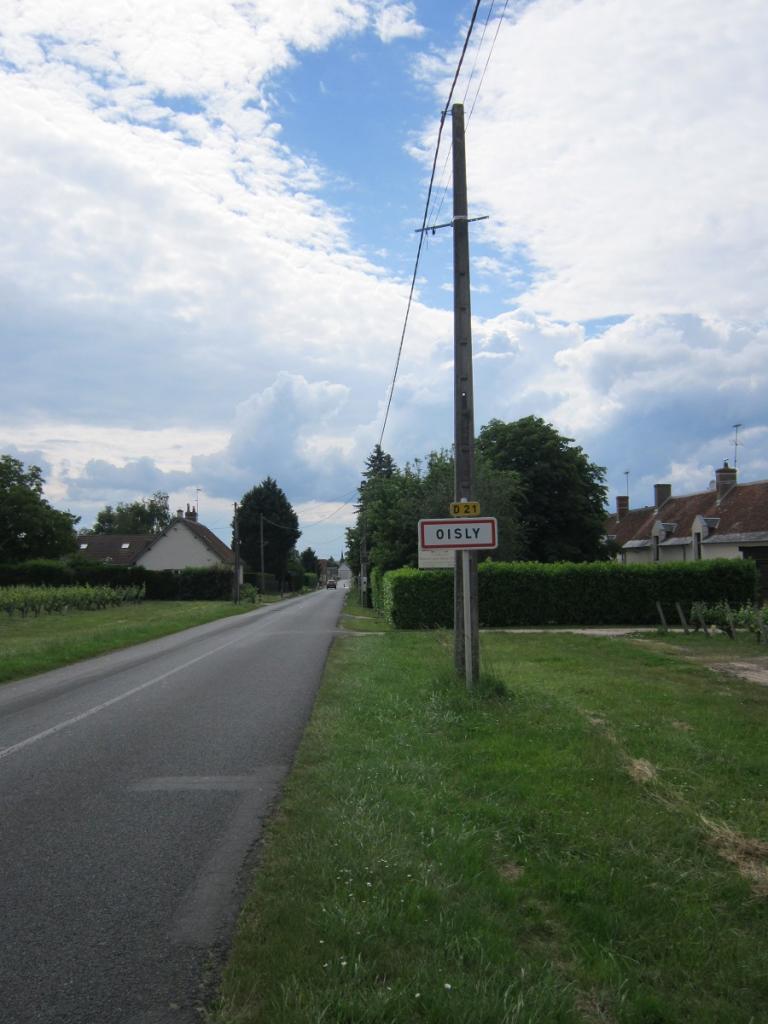 L'entrée de Oisly par la route de Contres