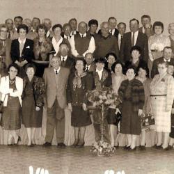 anciens élèves, épouses et instituteur